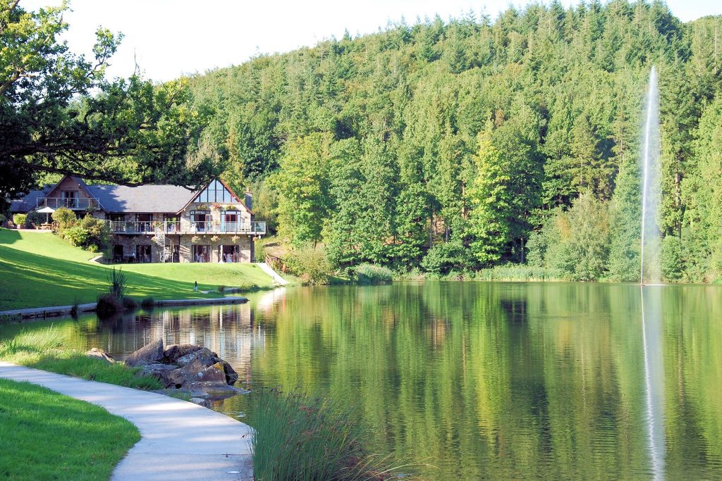 canada lodge and lake wedding venues south wales